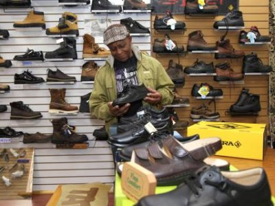 """Entrepreneur Everton Dawes: How """"Big Feet"""" Turned Into Big Business at Casual Footwear on Court Street"""
