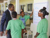 Minister Congratulates 58 Mirrors SuperCamp Junior Forum Participants