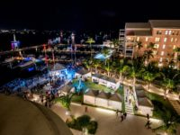 Hotel's Christmas Market a Hit For Spectators of City Boat Parade
