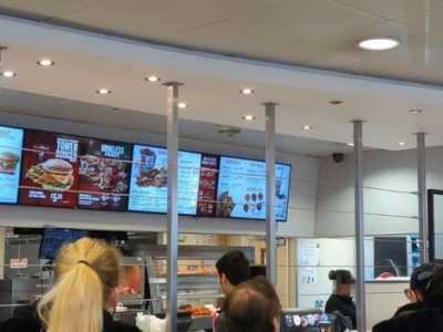 'Britain's Roughest KFC' Serves Chicken Through Security Wiring to Protect Staff