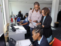 Health Minister Visits COVID-19 Call Centre