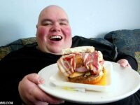 UK's Former Fattest Man Who Ate 29,000 Calories & Drank 12 Litres Of Soda Daily Weighing 910lb Dies Aged 52