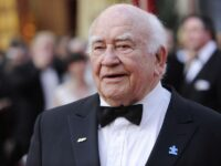 'Mary Tyler Moore Show,' 'Lou Grant' Star Ed Asner Dead At 91